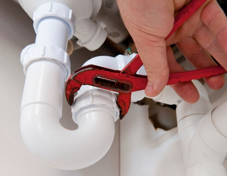 Plumber is doing emergency plumbing in masdar